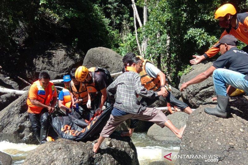 Tim SAR  temukan korban hanyut di air terjun Tojo Unauna
