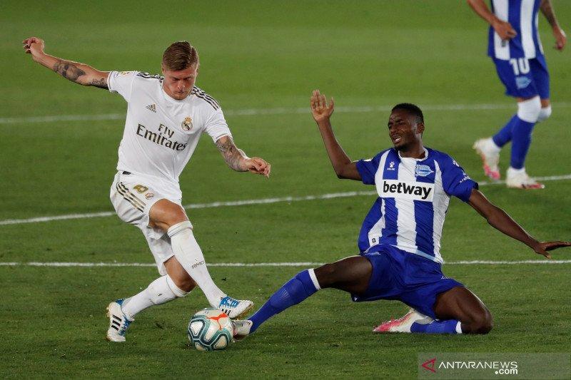 Pemain Real Madrid Toni Kroos absen dua minggu karena cedera paha