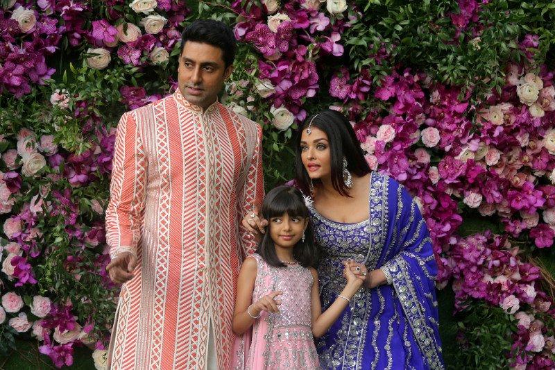 Terinfeksi COVID-19, Aishwarya Rai dan putrinya dirawat di RS
