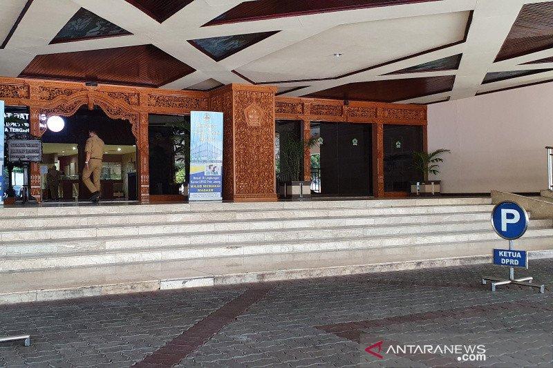 Anggota dewan berstatus PDP COVID-19 meninggal, Gedung DPRD Jateng ditutup