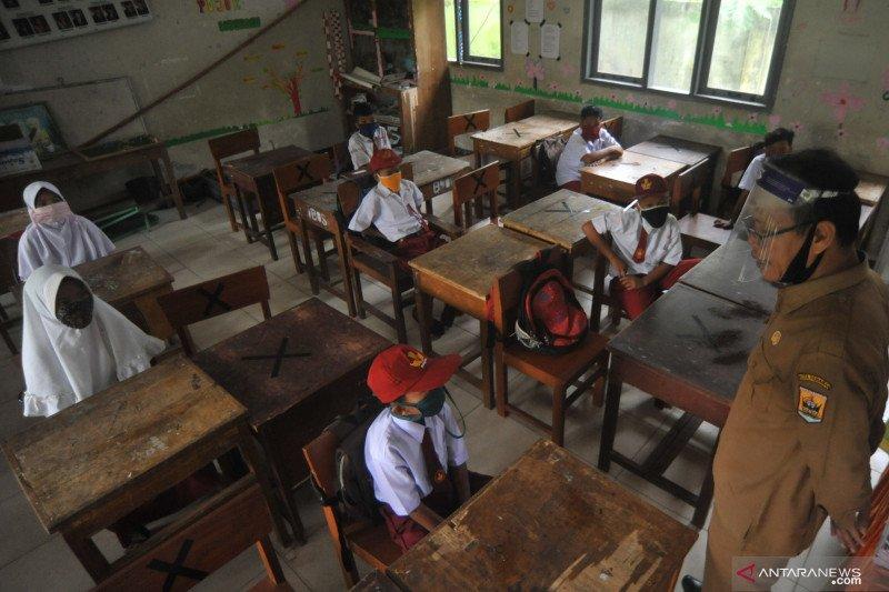 Dua guru kena corona,  Pariaman hentikan lagi kegiatan sekolah
