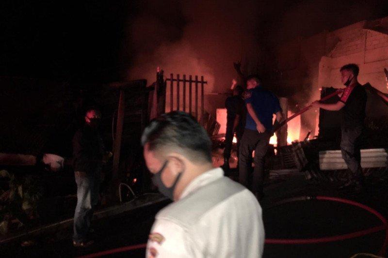 Dua orang meninggal dalam kebakaran di Manado