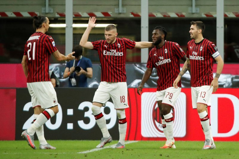 Drama empat gol tersaji saat Napoli menjamu AC Milan