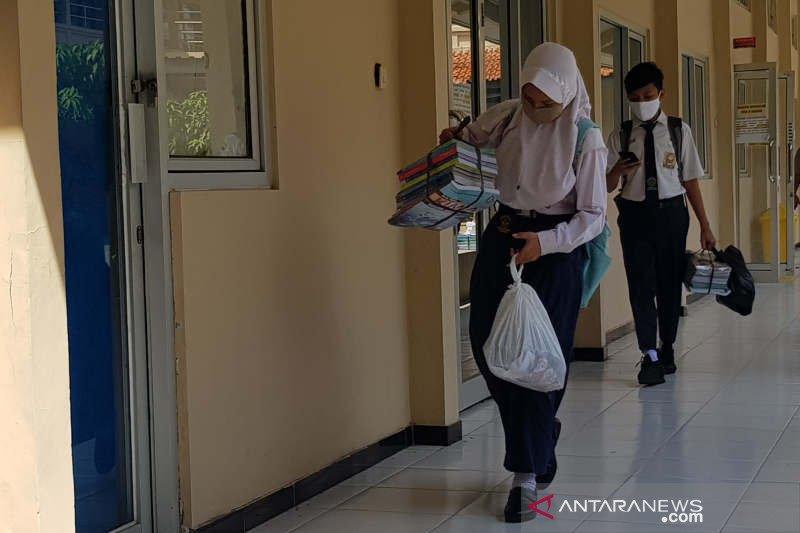 Protokol kesehatan ketat diterapkan di masa pengenalan sekolah di Semarang