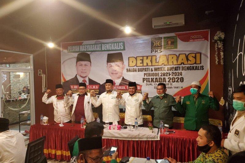 """Maju Pilkada Bengkalis,  Khairul Umam """"Nikahkan"""" paslon AMAN saat deklarasi"""