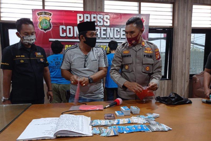 Petugas ringkus polisi dan wartawan gadungan di Jakarta Barat