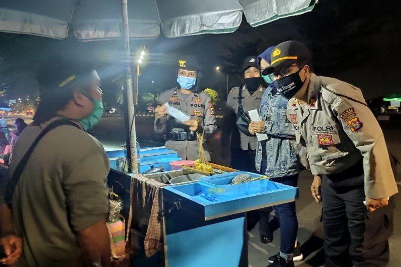 Polres Lombok Barat berlakukan jam malam cegah penyebaran COVID-19