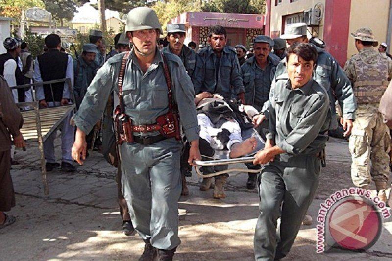 Ledakan di sekolah Afghanistan tewaskan sedikitnya 58 orang
