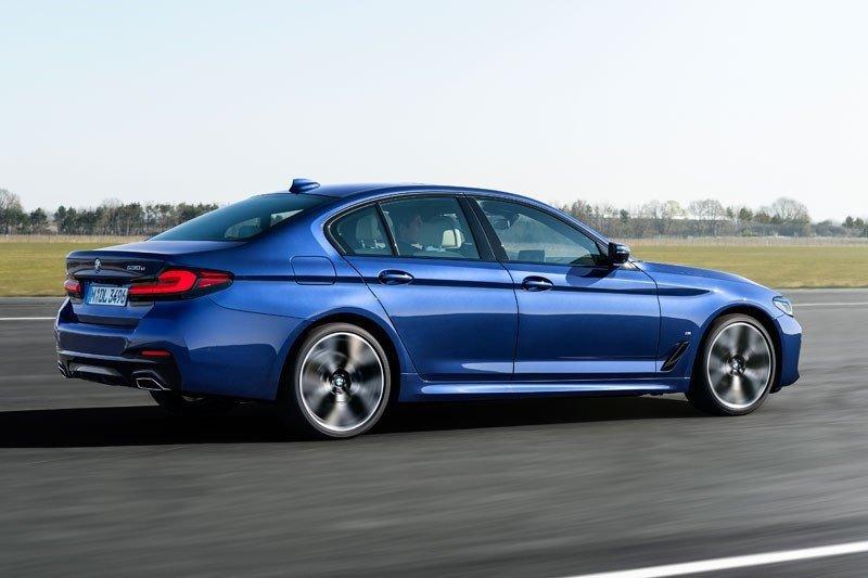 BMW nikmati pemulihan, berhasil jual lebih 900.000 unit semester satu