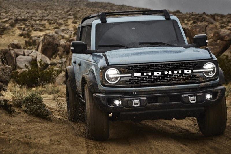 """Ford kembali """"lahirkan"""" Bronco, ini penampakan Bronco model 2021"""