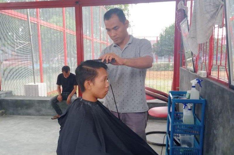 Warga binaan Lapas Kayuagung diberi pelatihan keterampilan  wirausaha