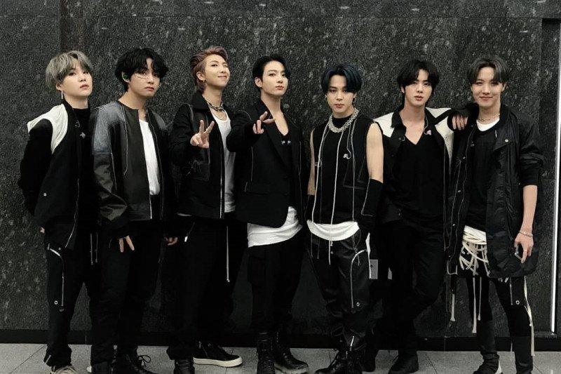 BTS memiliki basis penggemar ARMY