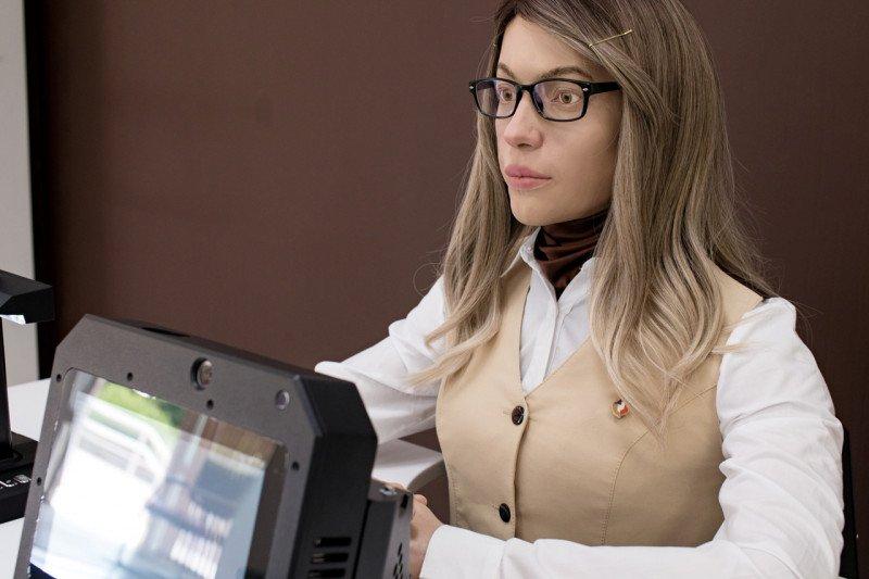 Robot humanoid bantu urusan birokrasi