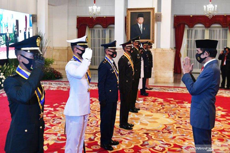 Presiden lantik perwira TNI-Polri di Istana Negara
