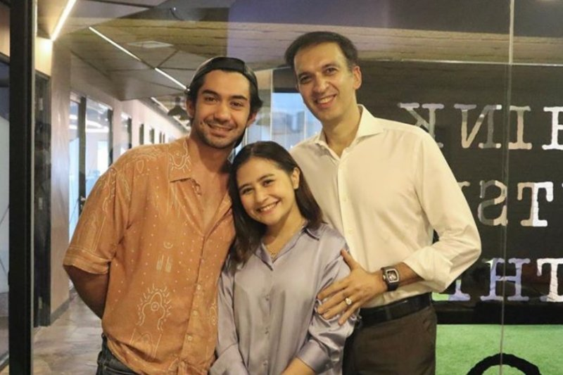 "Reza Rahadian dan Prilly Latuconsina main serial ""My Lecturer, My Husband""?"