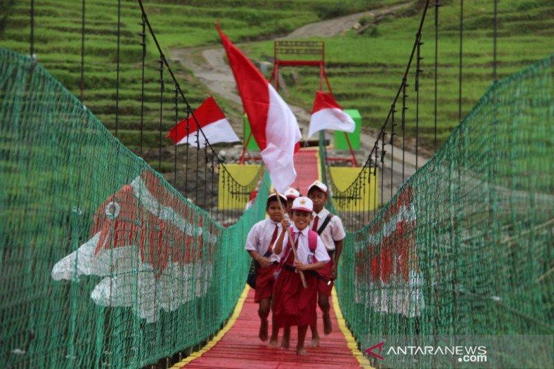 Satgas Pamtas RI-RDTL bangun jembatan gantung untuk warga di perbatasan