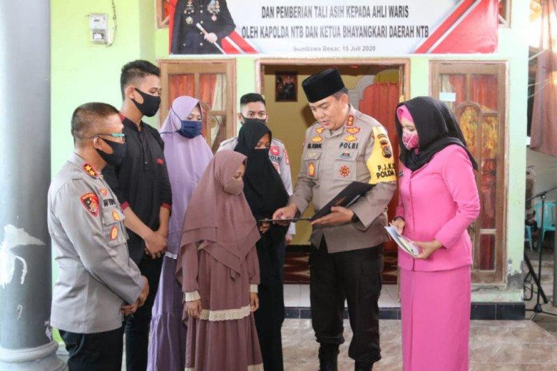 Almarhum Ipda Uji Siswanto yang dianiaya residivis perampokan di Sumbawa dapat kenaikan pangkat luar biasa jadi Iptu