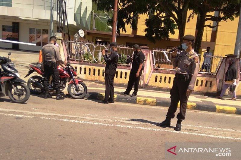 Pemakaian Masker Cegah COVID-19 Bagi Pengendara di Jayapura