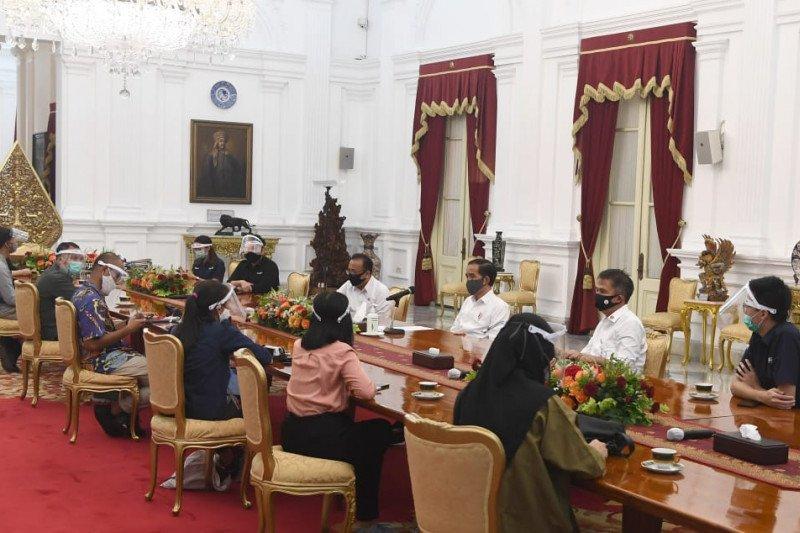 Presiden mengaku senang mulai ada laporan positif soal ekonomi