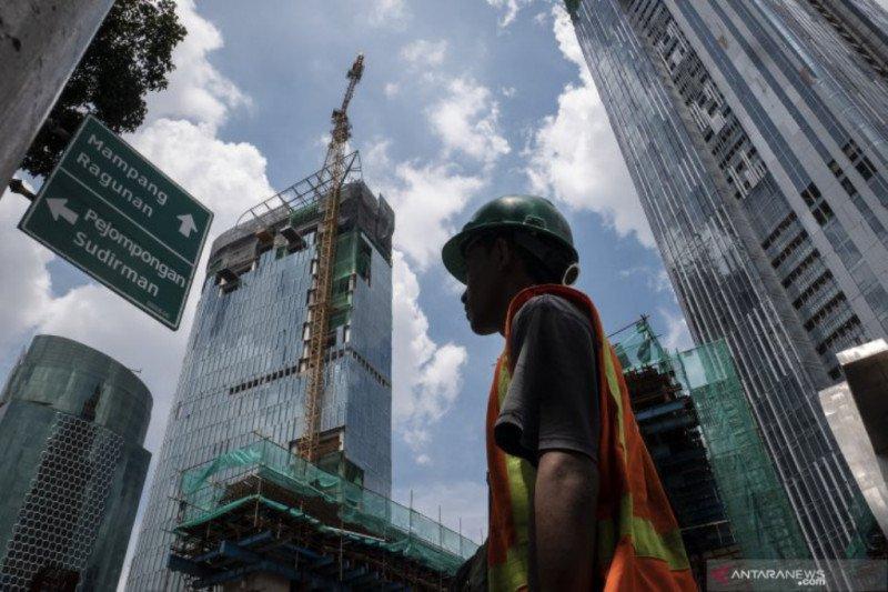 Ekonom sebut pertumbuhan ekonomi kuartal IV membaik jika COVID-19 mereda