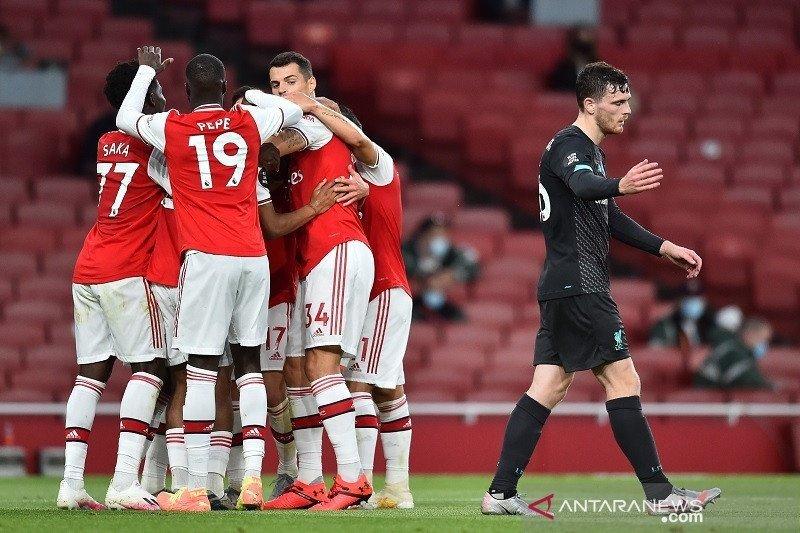 Seolah berikan gol cuma-cuma, Liverpool kalah di kandang Arsenal