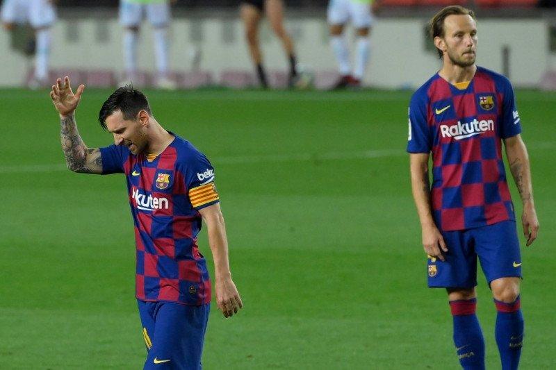 Lionel Messi kritik keras Barcelona