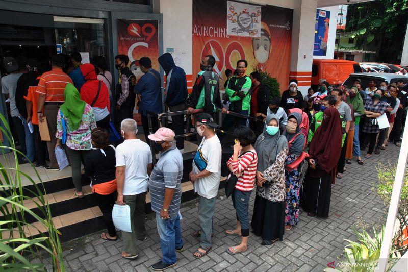 Pemkot Bogor dan Pos Indonesia salurkan bansos tahap II