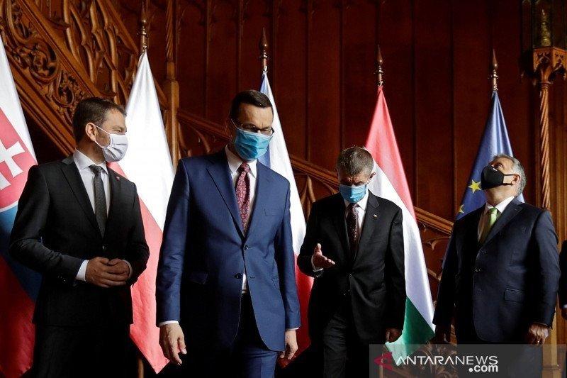 Kasus COVID-19 melonjak Slovakia perketat  kegiatan sosial