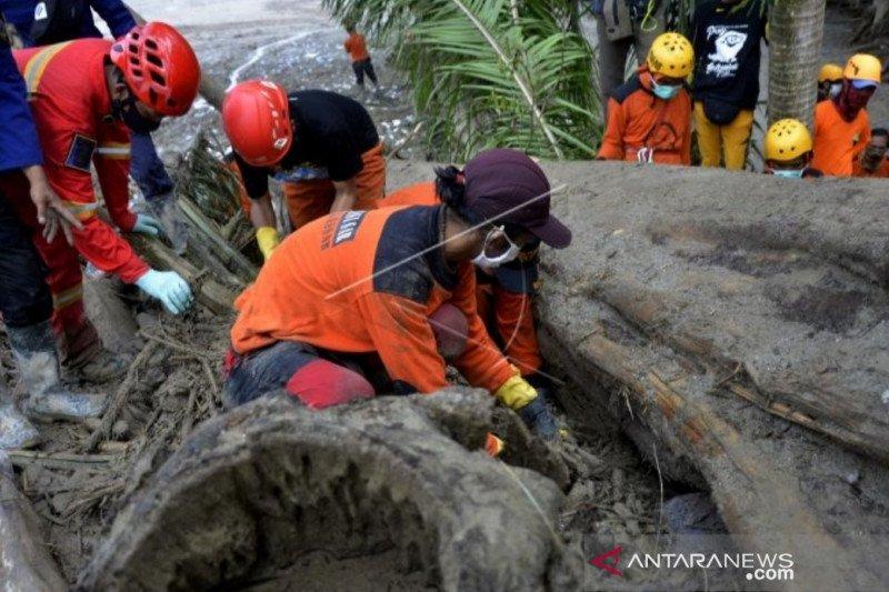 Korban jiwa banjir bandang Luwu Utara bertambah dua menjadi 38 orang