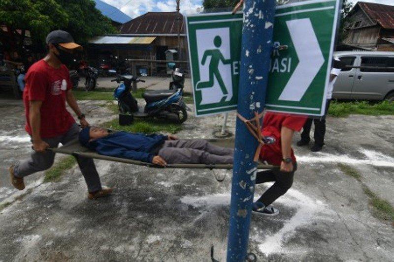 Simulasi penanganan bencana gempa dan tsunami