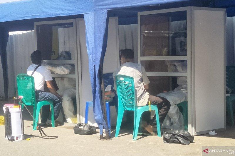 300 orang pedagang di Pariaman ditargetkan tes usap untuk memastikan bebas COVID-19