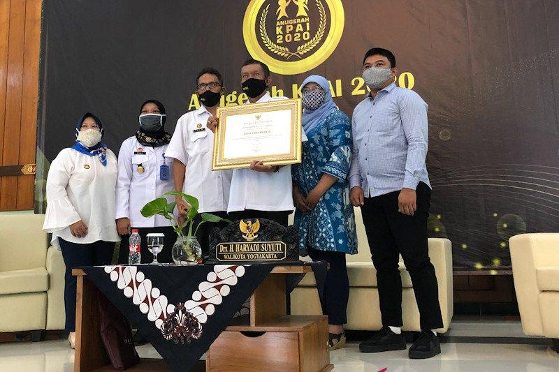 KPAD Yogyakarta menyiapkan buku panduan pola asuh di keluarga
