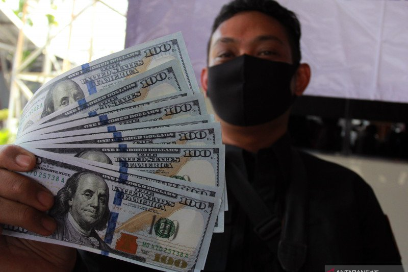 Polisi tangkap dua tersangka pengedar dolar palsu di Tanggamus Lampung