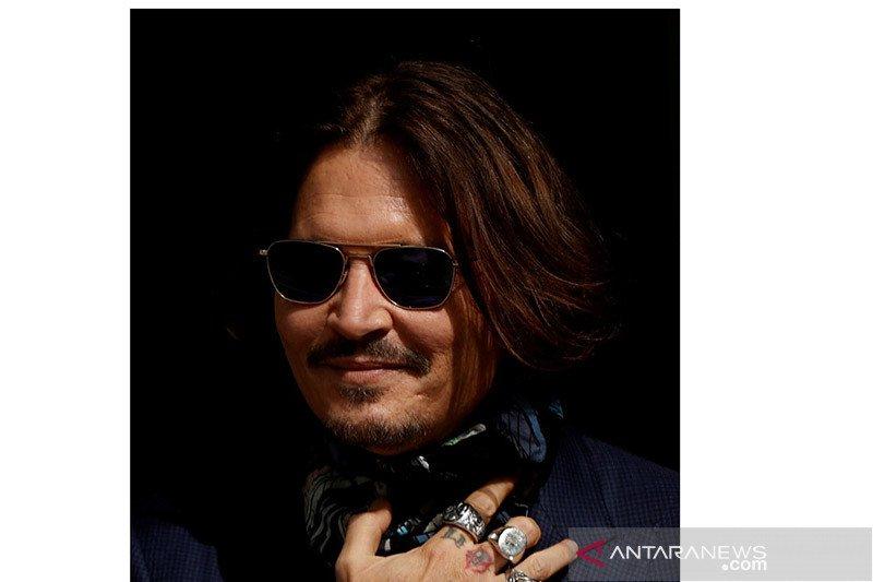 Johnny Depp diminta hadiri sidang pencemaran nama baik Amber Heard