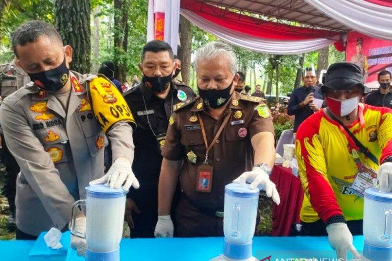 Kapolda Sumsel pimpin pemusnahan  narkoba dan kosmetika ilegal