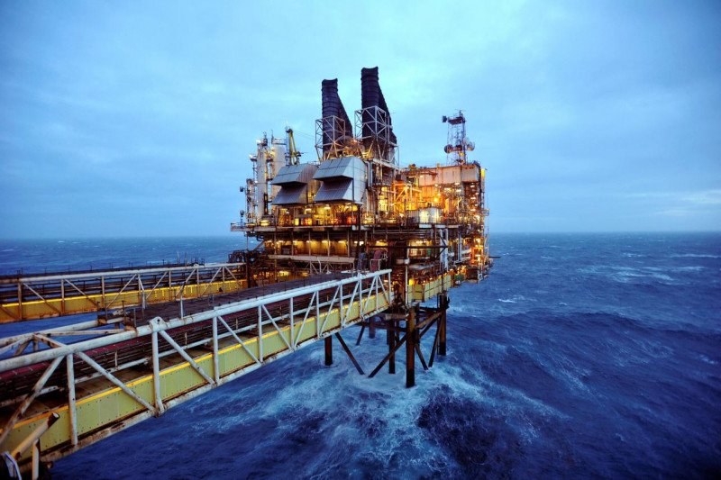 Harga minyak jatuh di tengah penguncian Eropa dan ketidakpastian Pilpres AS