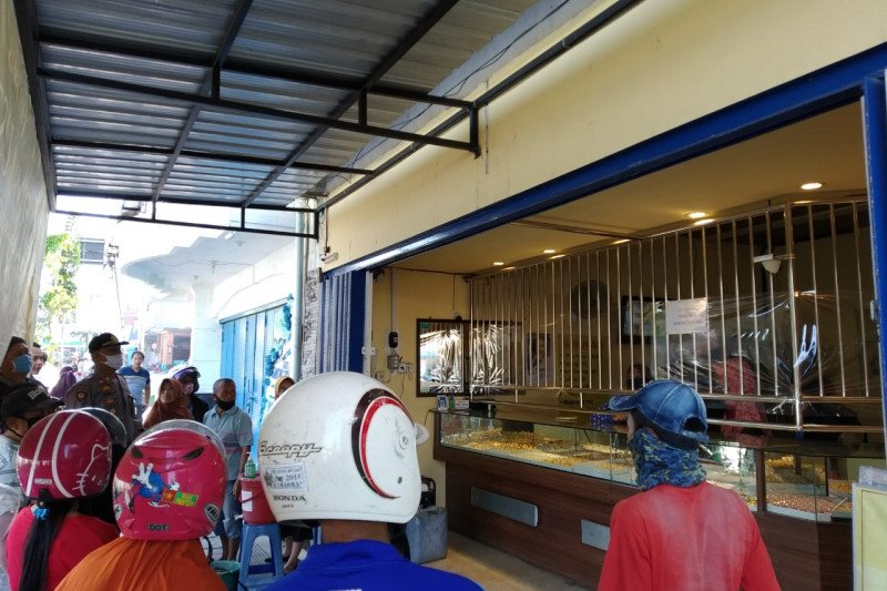 Polisi selidiki kasus perampokan toko emas yang terekam CCTV