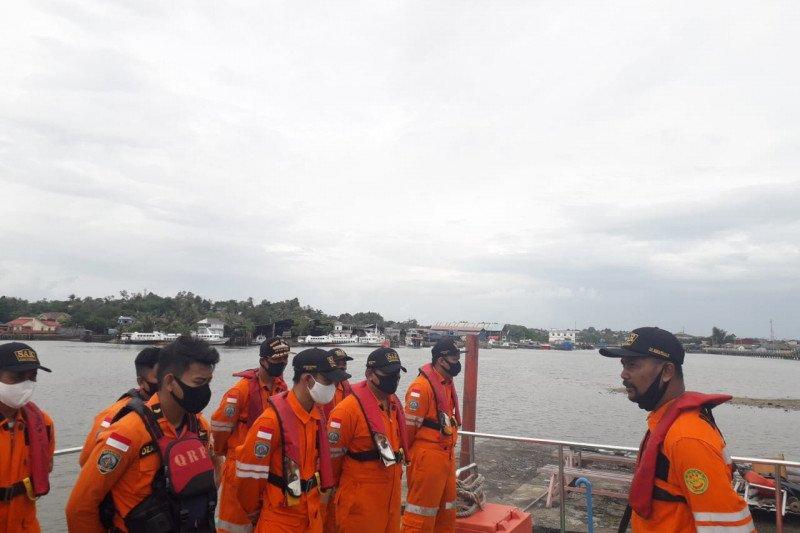 SAR Tanjungpinang cari tujuh korban kapal bocor di perairan Berakit Bintan