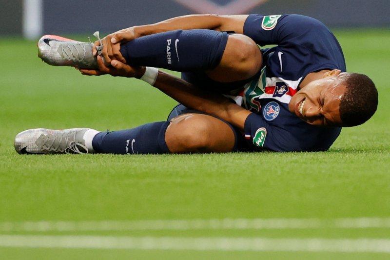PSG pastikan Kylian Mbappe keseleo pergelangan kaki