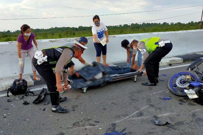 Dua orang tewas usai hantam mobil di Jembatan Tumbang Nusa