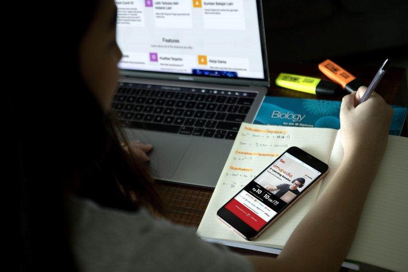 Telkomsel hadirkan paket ilmupedia E-Learning Session untuk belajar online
