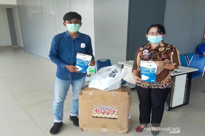 Putra sulung Presiden Jokowi Gibran salurkan bantuan APD di 10 RS
