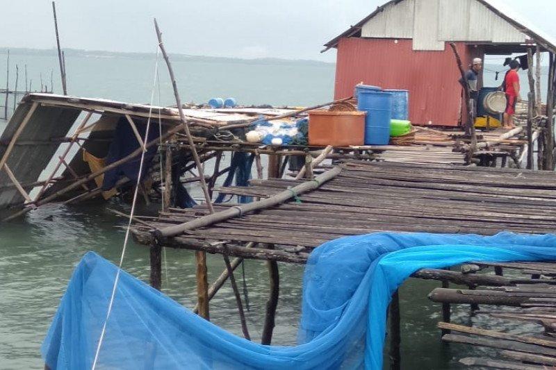 Belasan rumah di Bintan rusak dihantam puting beliung
