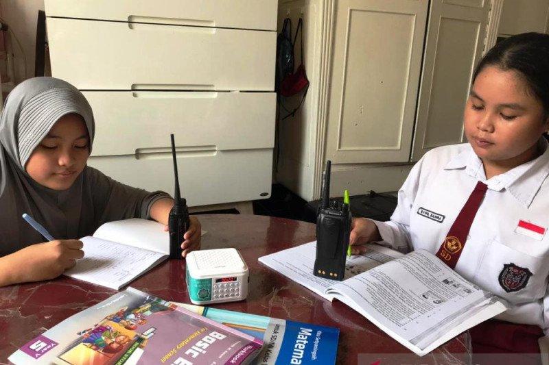 Anggota Orari Palembang siapkan dukungan komunikasi bagi siswa belajar di rumah