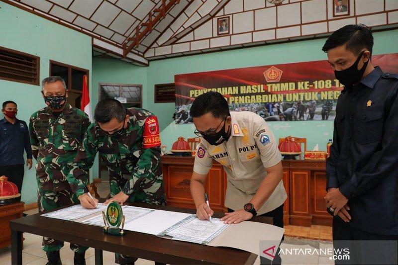Bupati Bantaeng imbau warga manfaatkan dan jaga hasil karya TMMD