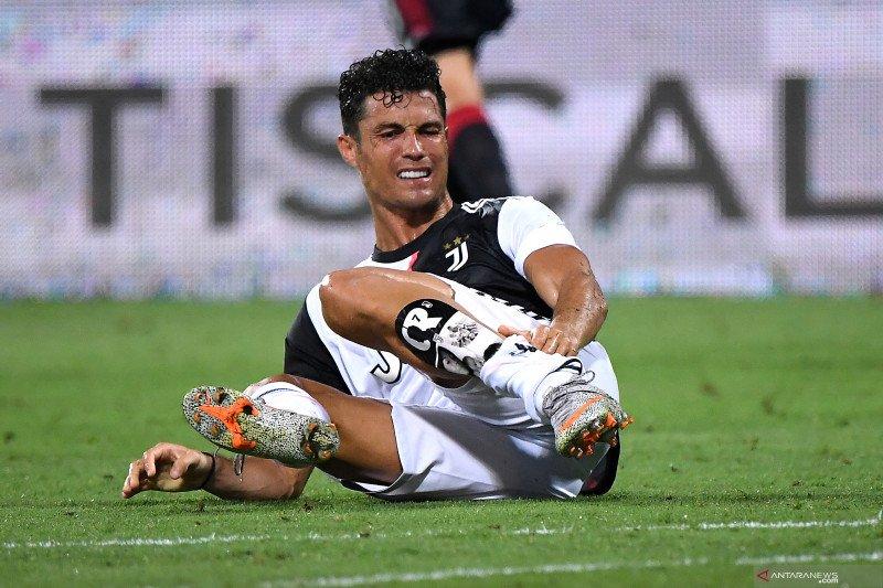 Peluang Ronaldo menjadi top skor menipis saat Juve ditundukkan Cagliari
