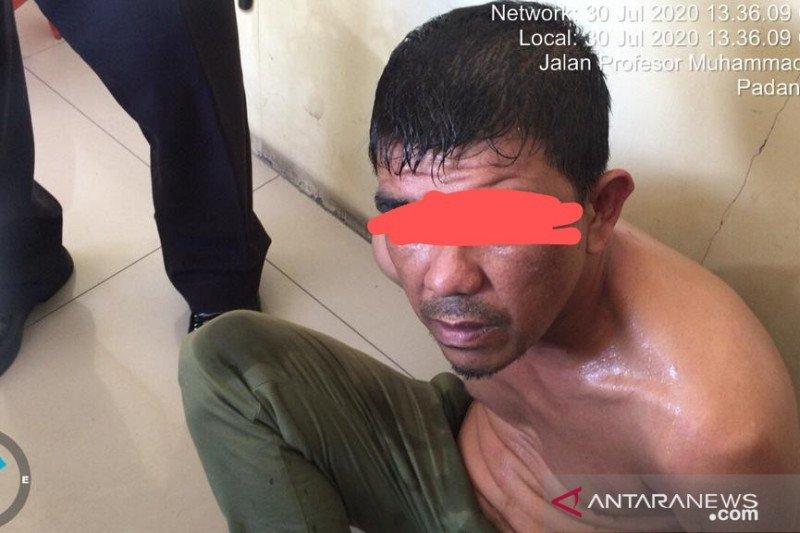 Usai menjambret, Maheru coba melarikan diri tapi justru tabrakan hingga patah kaki dan diringkus polisi