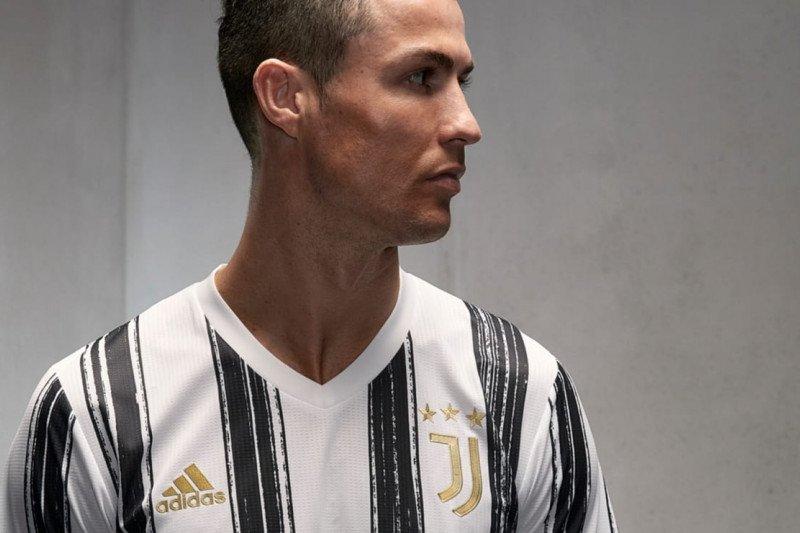 Jersey baru Juventus untuk musim 2020/2021 - ANTARA News ...