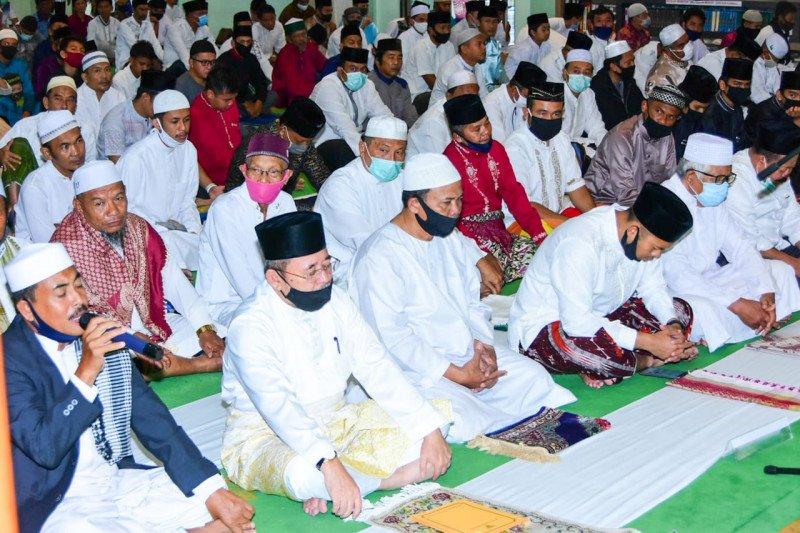 Plh Bupati Bengkalis salat Idul Adha di Masjid Istiqomah