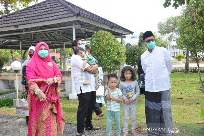 Gubernur Sumbar lakukan ibadah qurban di Padang